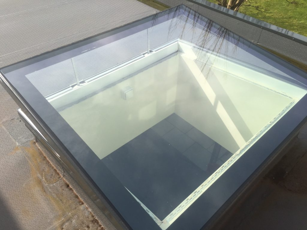 24v Electric Hinged Flat Glass Rooflight